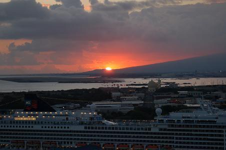 夕日と船.JPG